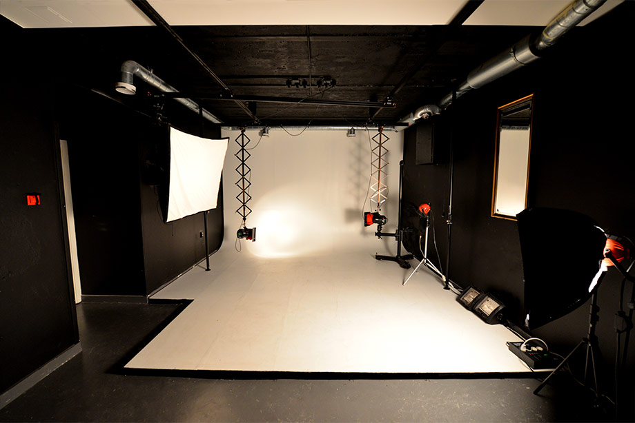 the-film-and-photo-studio-at-Sthlm-Art-by-Moses-Shahrivar1